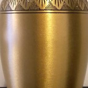 urna pogrzebowa złota